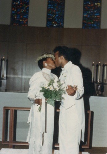 Dee Taylor-Jolley and Dr. Willie Jolley wedding photo